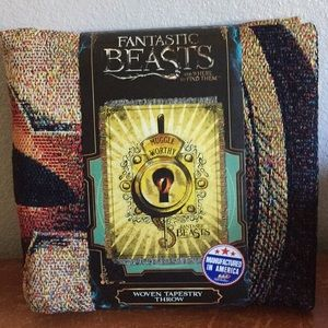 NWT Fantastic Beasts Throw Blanket